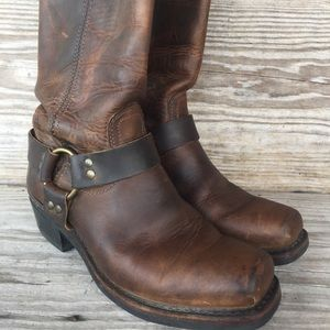 Frye boots distressed moto square toe boots 8.5